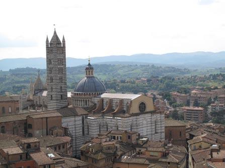 Panoramica de la catedral de Siena –Foto-Jesus-Muro