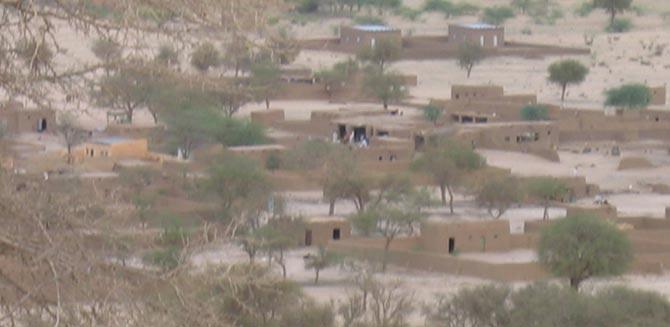 Poblado en el desierto
