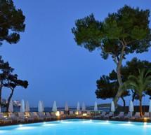 Placa al Mérito Turístico para Meliá por Calviá Beach Resort, proyecto pionero de reconversión de un destino maduro en Mallorca