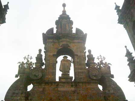 Santiago en lo alto de la Catedral