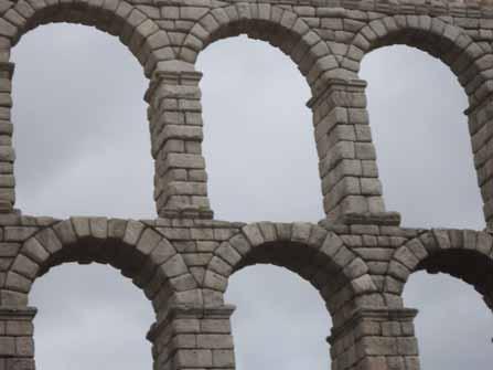 Colocación de las piedras del Acueducto