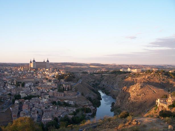 España recibe 57,7 millones de turistas internacionales en 2012, un 2,7% más