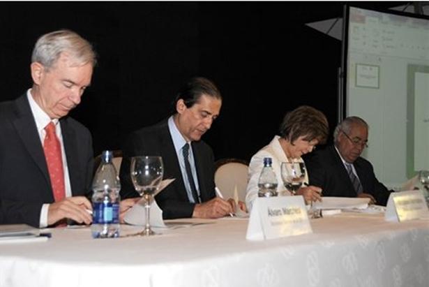 Firma del convenio OEI-Republica-Dominicana