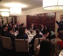 El nuevo Embajador de España en China y el Presidente de la Fundación ICO cenan con los becarios en Pekín