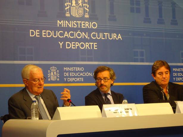 Lassalle, García de la Concha y el poeta García Montero presentan los Encuentros de Verines