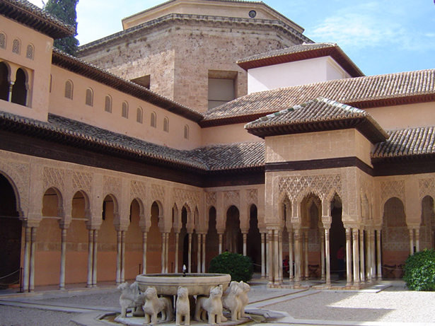 La Alhambra de Granada. Patio de los Leones