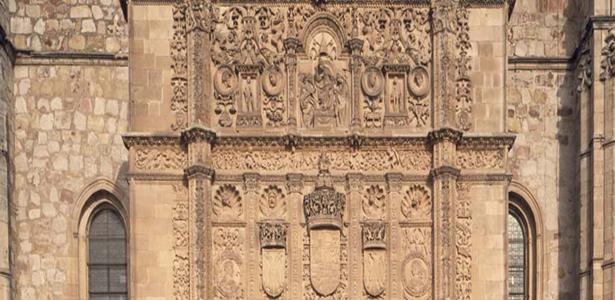 La Fundación del Patrimonio Histórico envía al comité científico el proyecto de restauración de la fachada de la Universidad de Salamanca