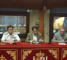 El artista Augusto Ferrer-Dalmau dona una estatua de Blas de Lezo al Museo Naval de Madrid