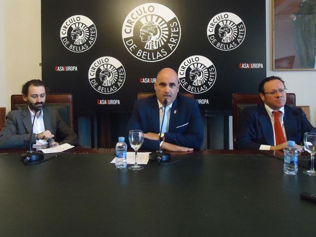 De Izq. a dcha. Javier Limón, Julio García y Aurelio Solana