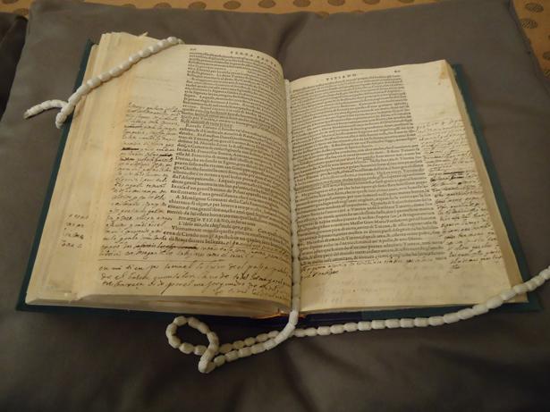 BNE. Las vidas de artistas de Vasari con anotaciones del Greco. Foto: © patrimonioactual.com