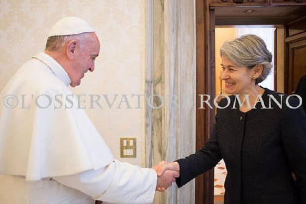 La Directora General de la UNESCO habla con el Papa Francisco acerca del diálogo intercultural e interreligioso