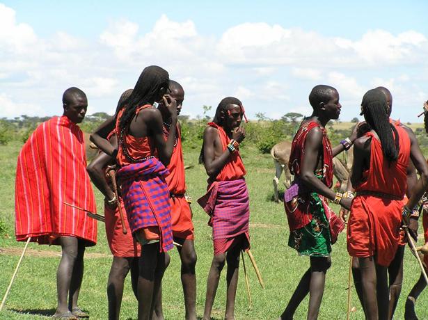 La OMT apoya a Kenya con el turismo. En la imagen una tribu de masáis