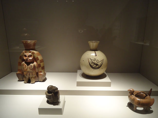 Piezas de la exposición: El arte mochica del antiguo Perú. Oro, mitos y rituales. Caixaforum Madrid. Foto: © patrimonioactual.com