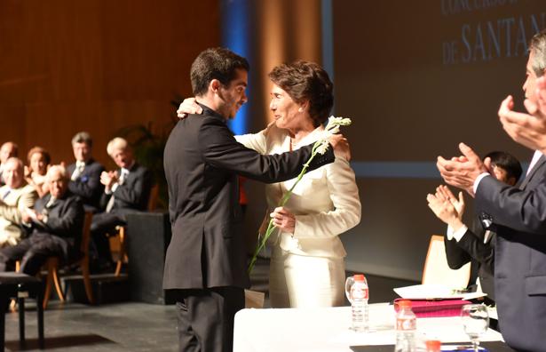 Paloma O´Shea, presidenta de la Fundación Albeníz y Juan Pérez Floristán, ganador del XVIII Concurso de Piano de Santander Paloma O´Shea