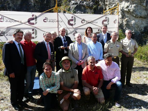 """Los Profesores Lumley y la Base Militar Cid Campeador reciben los """"Premios Evolución"""" 2015 de la Fundación Atapuerca"""
