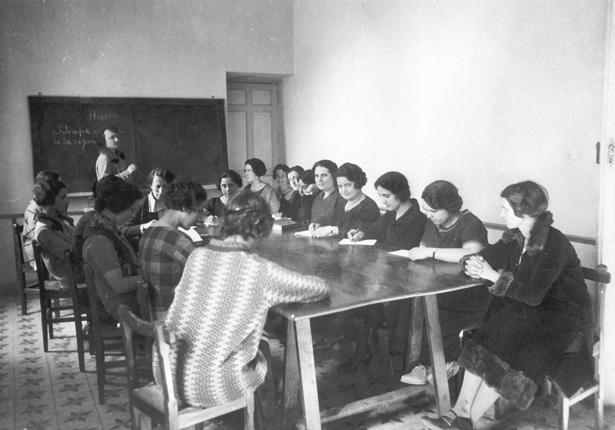 Mujeres en vanguardia La Residencia de Señoritas en su centenario [1915-1936]