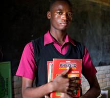 La UNESCO afirma que los libros de texto desfasados ponen en peligro el desarrollo sostenible