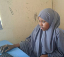 Un programa de alfabetización cambió la vida de una adolescente en Somalia