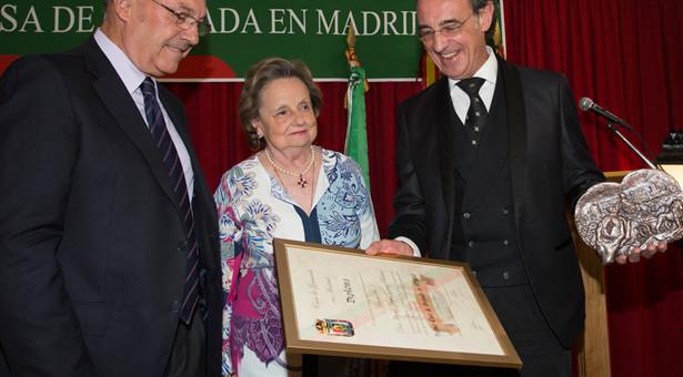 Miguel Ángel Gómez-Martínez, recibe el I Premio Casa de Granada en Madrid