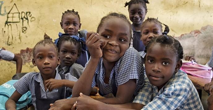 La educación y África, prioridades del viaje de la Directora General de la UNESCO a una conferencia sobre la financiación de la educación en Dakar